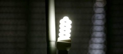 Bombilla de bajo consumo ( imagen: http://www.elpais.es)